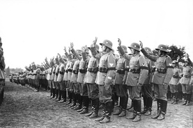 Reichswehr soldiers swearing the Hitler oath in August 1934