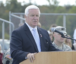 Corbett speaking to members of Heavy Brigade Combat Team at Fort Indiantown Gap.