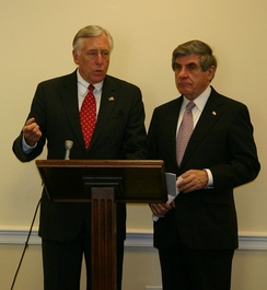 Senator Ben Nelson (right) with House Majority Leader Steny Hoyer (D-MD)