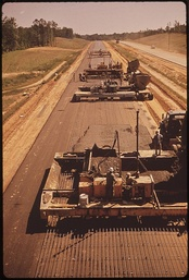 I‑55 under construction in Mississippi, photo from May 1972