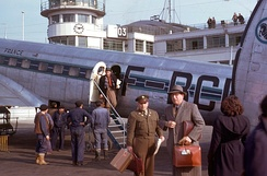 Passengers disembarking from a Sud-Est SE-161