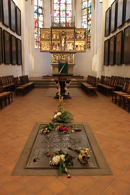 Bach's grave and altar in the St. Thomas Church, Leipzig