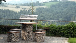 Resting area along the Donausteig hiking trail near Bad Kreuzen