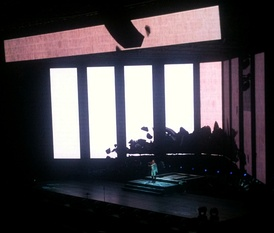 One of Wong's comeback concerts in Beijing Wukesong Arena in November 2010. The concert was directed by Wong Kar-Wai.[57]