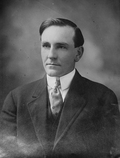Former Oregon Governor Oswald West