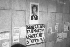 """To the general secretary – a general strike!!!"" An appeal with portrait of Miloš Jakeš, who resigned on 24 November"