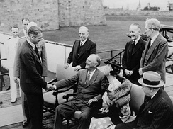 Eden with Mackenzie King and Winston Churchill meeting Franklin D. Roosevelt at the Quebec Conference in 1943.