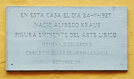 Memorial tablet on the birthplace of Alfredo Kraus in the Calle de Colón in Las Palmas, Gran Canaria