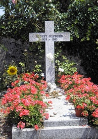 Hepburn's grave in Tolochenaz, Switzerland