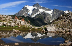 West side view of Mount Shuksan in summer as seen from Artist Point in Washington