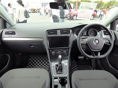 Interior (facelift)