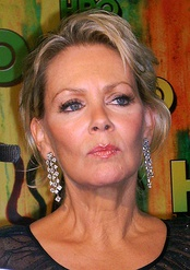 Jean Smart, Best Supporting Actress in a Drama Series winner