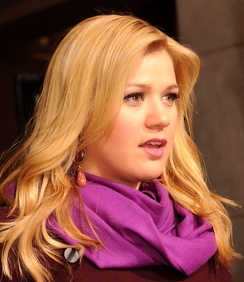 Kelly Clarkson Singer and American Idol Season 1 winner