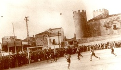 Alcamo football team during a match in 1928.
