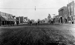 Commercial Street (later La Brea Avenue) in Inglewood, sometime around 1910