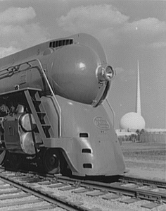 Streamlined railroad locomotive (1939)