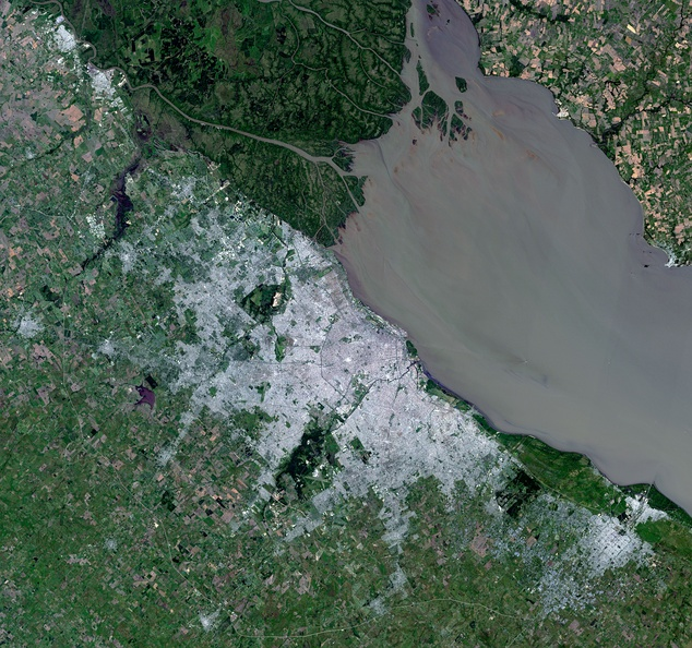 Satellite view of the Greater Buenos Aires area, and the Río de la Plata. Landsat - 2014