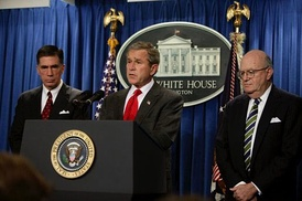 Robb with President George W. Bush and former U.S. Appeals Court Judge Laurence H. Silberman at a White House press conference announcing the formation of the Iraq Intelligence Commission which he would co-chair with Silberman, February 6, 2004.