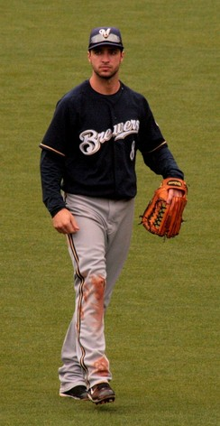 Braun in the outfield