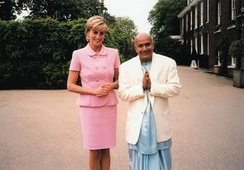 Diana meeting with Sri Chinmoy in May 1997
