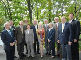Lamar Alexander with U.S. Senator Bob Corker, Congressman John Duncan, and Dolly Parton at the Great Smoky Mountains National Park in 2009