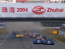 Maseratis leading the FIA GT Championship race at Zhuhai in 2004.