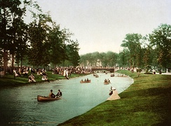 Boating on the Grand Canal in the early 1900s