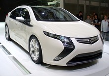 Opel Ampera frontal view