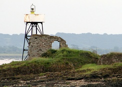 Navigation light on Chapel Rock near Beachley
