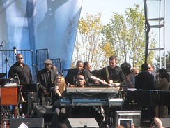 Crow with Stevie Wonder at the dedication concert for the Martin Luther King Jr. Memorial on October 16, 2011.