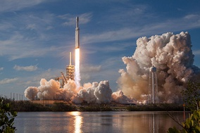Maiden launch of the Falcon Heavy