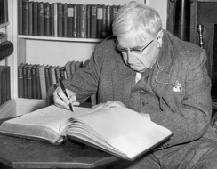 Ralph Vaughan Williams (1872–1958), a British composer who helped to popularise many medieval and folk carols for the modern age[17]