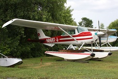 Cessna 150G on floats