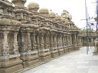 Inner court or the circumambulatory passage with 58 subshrines. Kailasanathar Temple, Kanchipuram