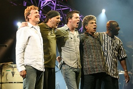 The Steve Winwood Band in 2009 on tour