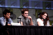 Stewart with Taylor Lautner (left) and Robert Pattinson (middle) at the 2012 San Diego Comic-Con