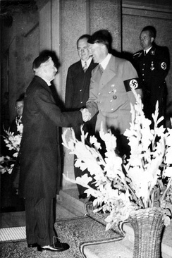 Chamberlain greeted by Hitler at the beginning of the Bad Godesberg meeting on 24 September 1938