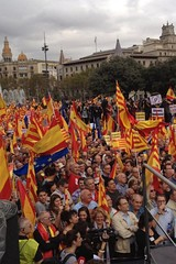 Pro-Catalan independence (left) and pro-Spanish demonstrations in Barcelona.