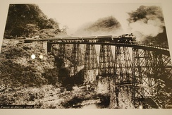 The Metlac railway bridge, an example of engineering achievement that overcame geographical barriers and allowed efficient movement of goods and people. Photo by Guillermo Kahlo