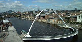 Newcastle-upon-Tyne-bridges-and-skyline cropped.jpg