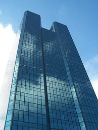The tower's appearance prior to being renamed Fifth Third Center at One SeaGate.