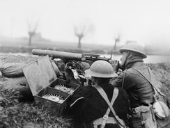 British Lewis gun team on the bank of the Lys canal during Battle of Hazebrouck, 15 April 1918