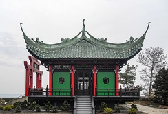 The Chinese Tea House, modeled on 12th century Song Dynasty temples