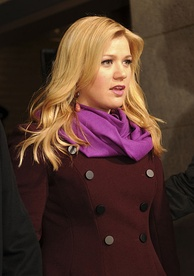 Kelly Clarkson, season one winner