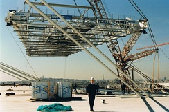 The last part of the metallic construction of the roof, 1997