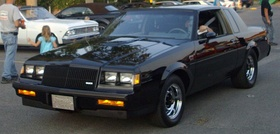 '87 Buick Regal Grand National (Auto classique A&W Châteauguay '12).JPG