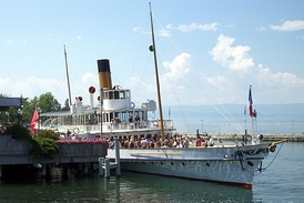 CGN paddle steamer Montreux leaving Évian-les-Bains in July 2002.