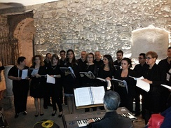 "Exhibition of the Choir ""Mater Dei"" inside the garden of Palazzo Rocca"
