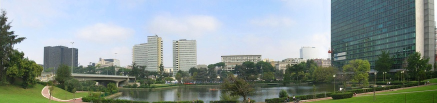 A panoramic view of the east part of the lake and surrounding district before 2005.