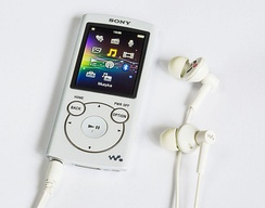 A Sony Walkman portable media player from 2015 (model NWZ-S765)